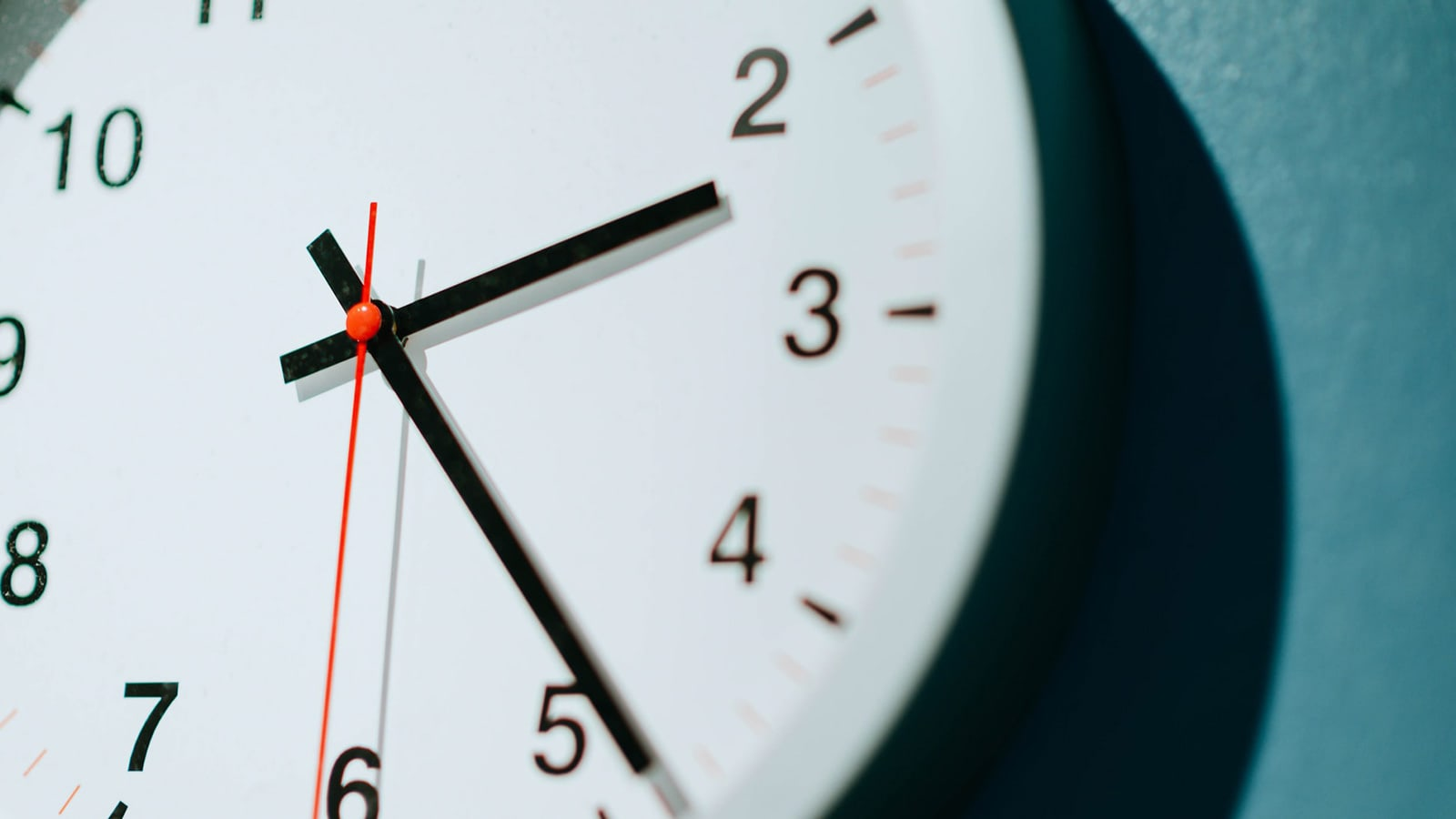 How long should an air scrubber be run